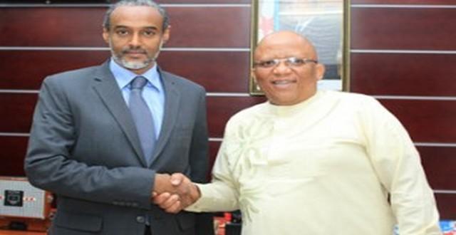 MCPT : L'ambassadeur d'Afrique du Sud s'entretient avec le ministre de la Communication